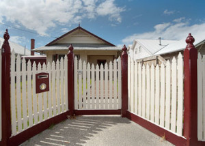 Picket Fence Installation in Melbourne